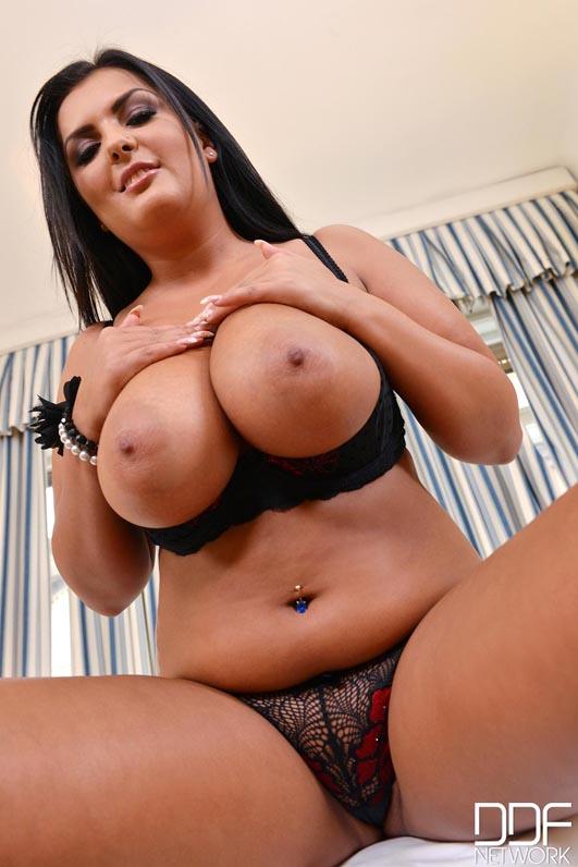 Jasmine jae used as a slut by hung stud 3