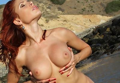Picture Gallery of Erika Jordan Nude Beach Fun in the Sun