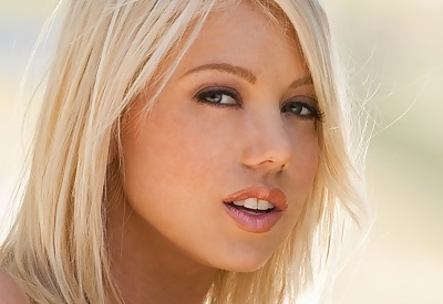 Picture Gallery of Shawna Lenee is a Penthouse model for a good reason