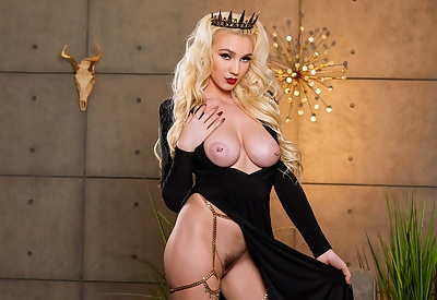 Picture Gallery of Kendra Sunderland exposing every inch of her body in strappy bodysuit