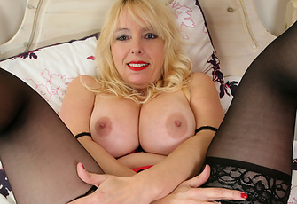 Blonde Amateur Cougar Shows Off Her Juicy Pink Twat And Huge Boobs