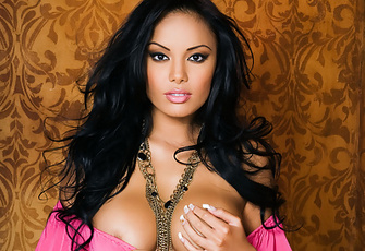 Justene Jaro is so unbelievably hot as she slowly pulls off the bright pink panties and top off of her natural bronze naked, voluptuous body.