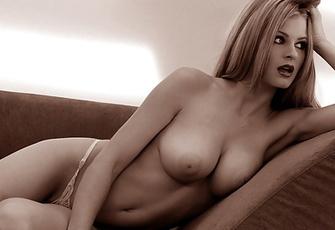 Chantelle Fontain Gorgeous black and white