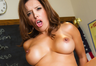 Francesca Le and Danny Mountain in Oral Exam
