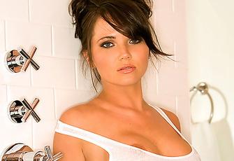 Playmate Xtra - Stephanie Larimore 03