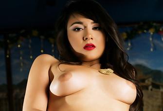 Sophia Jade- solo strip food play