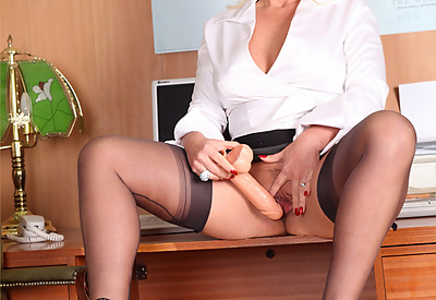 Picture Gallery of Horny Lana Cox fucking a big Cock shaped Dildo