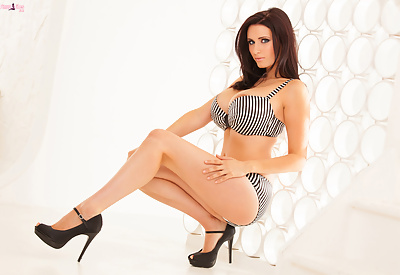 Picture Gallery of Busty Sammy Braddy showing off her incredible Boobs