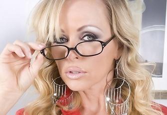 Dyanna Lauren Naughty Blonde Secretary Strips Naked