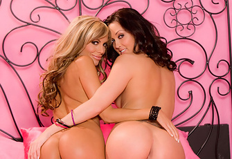 Mandy Lynn frolicking with her lesbian girlfriend Melissa Jacobs in their love nest