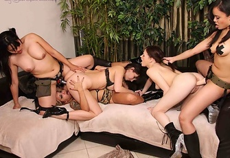 Regan Reese and 4 Girlfriends having a Strapon Party