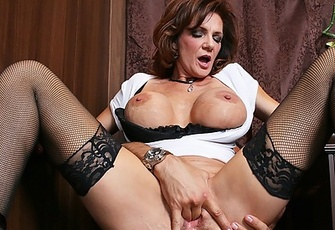Deauxma seduces the bartender with giant boobs