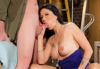 Zoey Holloway sucking and fucking fresh cock in a back alley