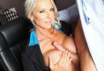 Emma Starr fucking one of her employees in her office