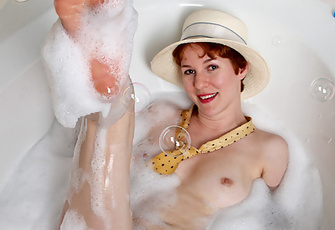 Seductive Cougar Gigi Stuffs Her Hairy Wet Pussy With Sex Toys In The Bathtub