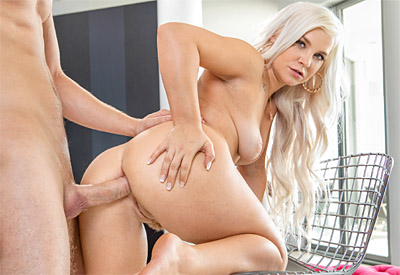 Picture Gallery of Bella Jane takes the casting agent's dick up her ass